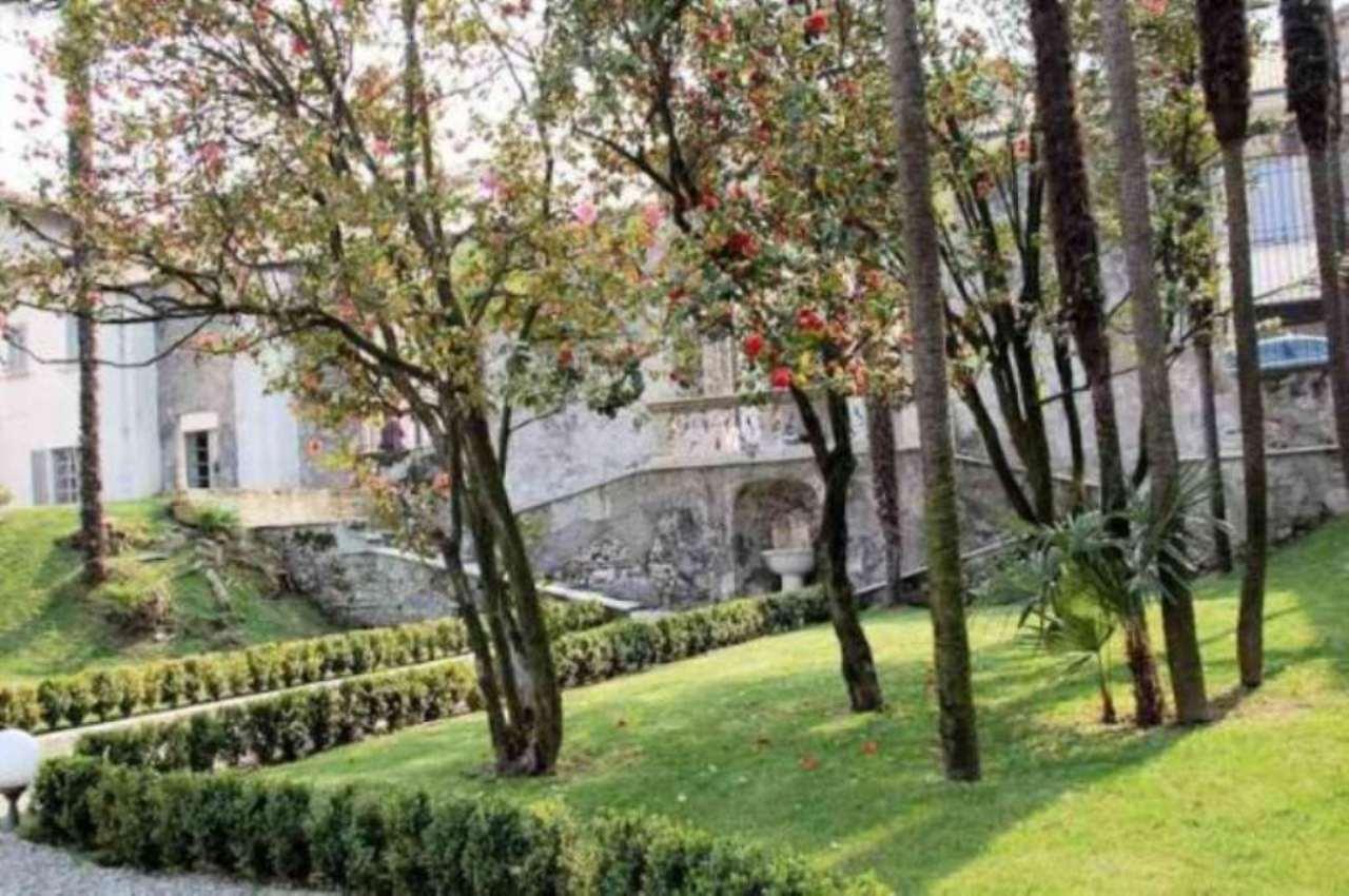 Bilocale Arona Via San Carlo 6
