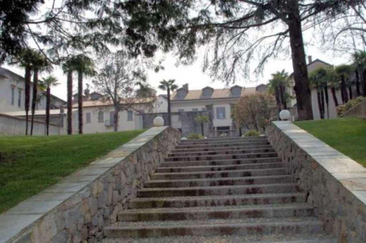 Bilocale Arona Via San Carlo 10