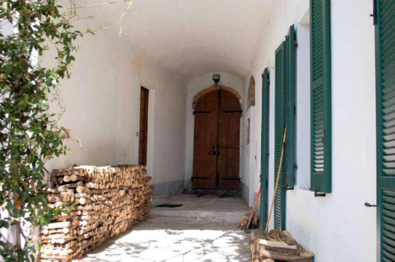 Bilocale Arona Via Baglioni 2