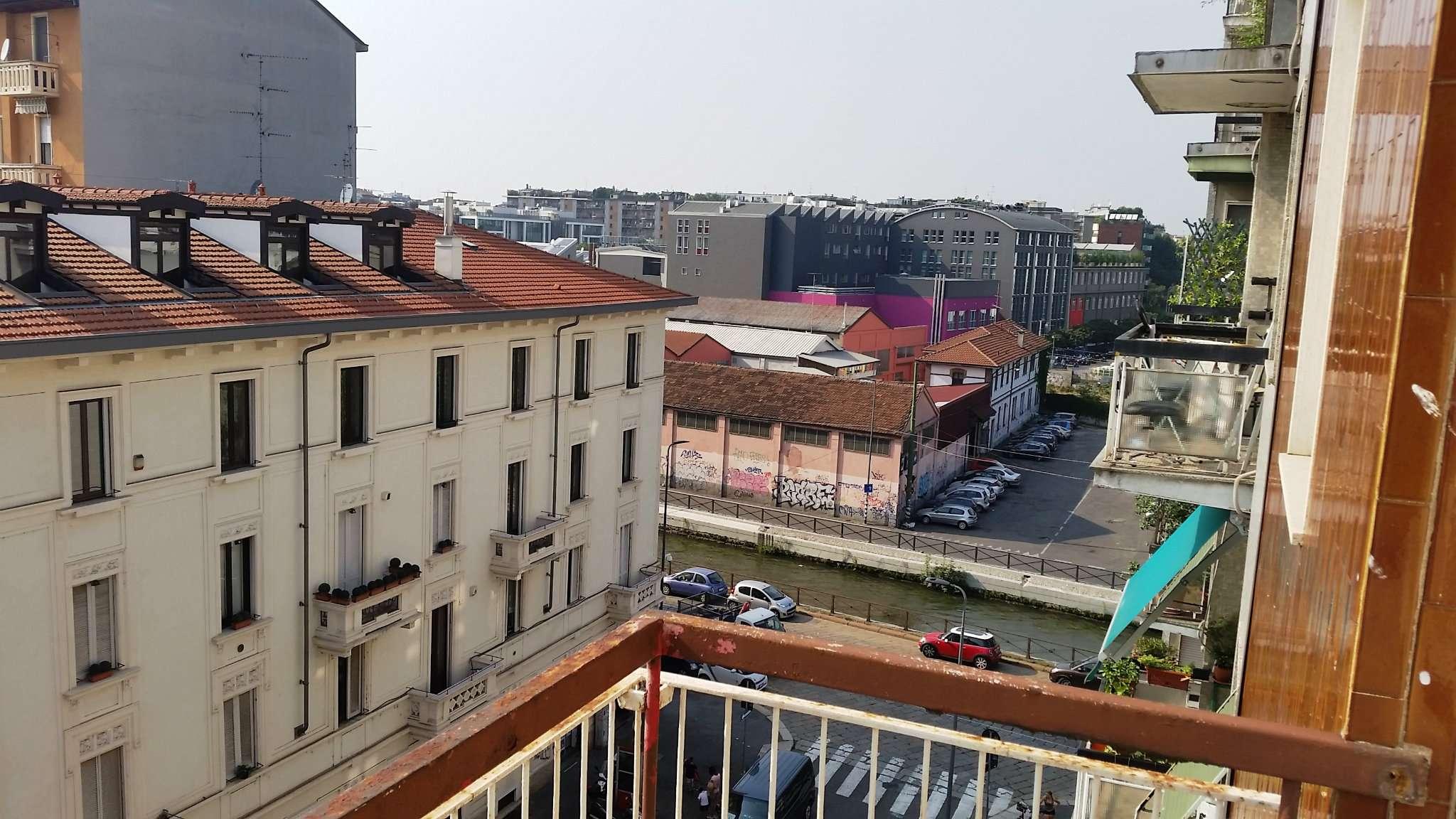 Bilocale Milano Via Villoresi 1