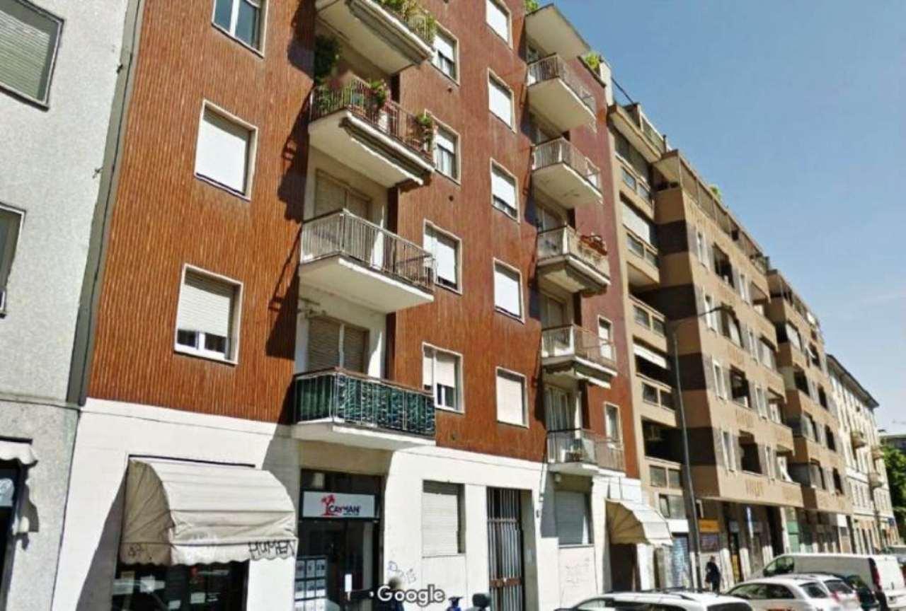 Bilocale Milano Via Villoresi 2