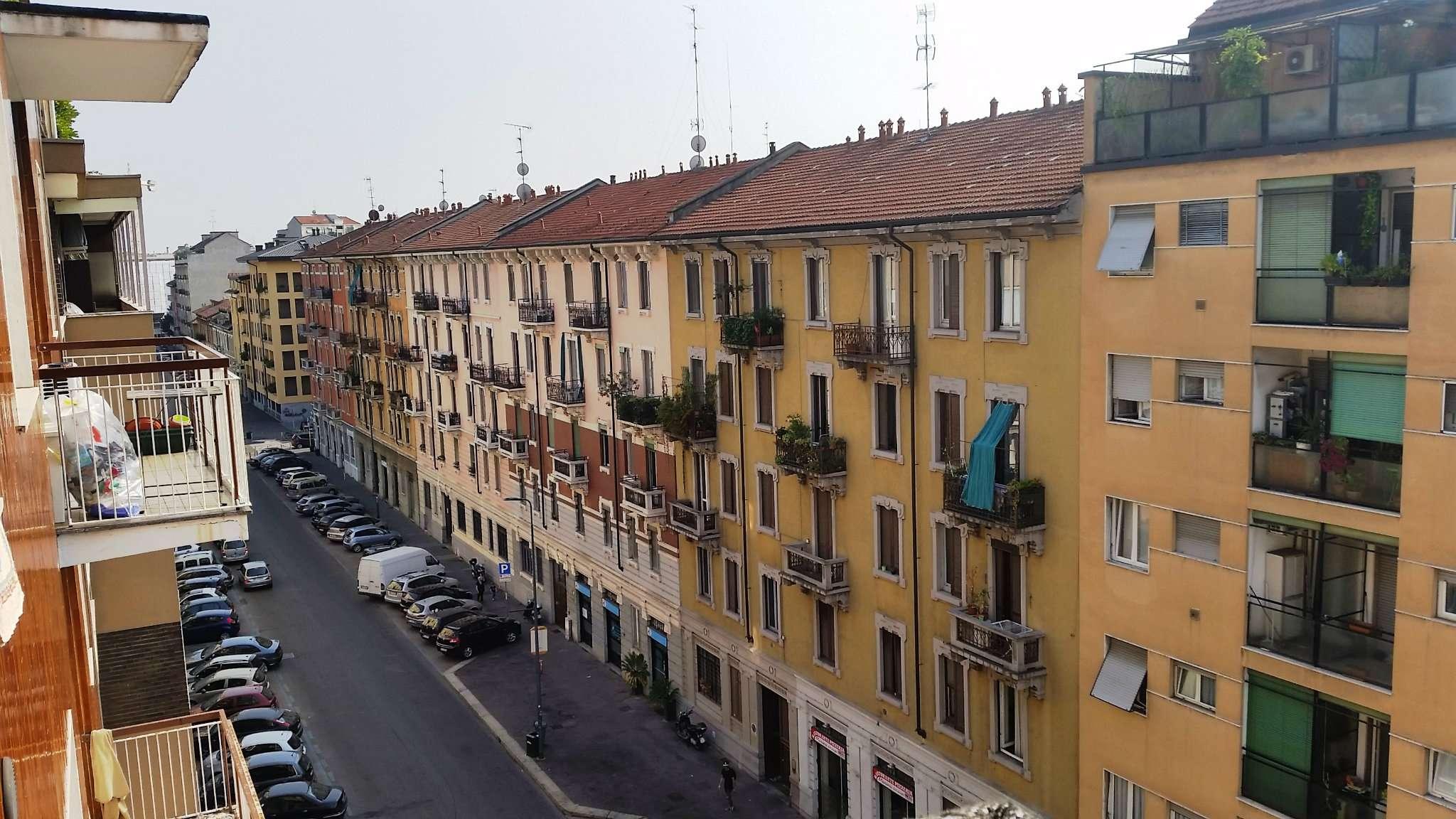 Bilocale Milano Via Villoresi 3