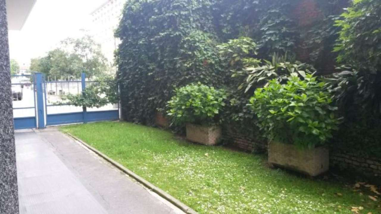 Bilocale Milano Corso Manusardi 7