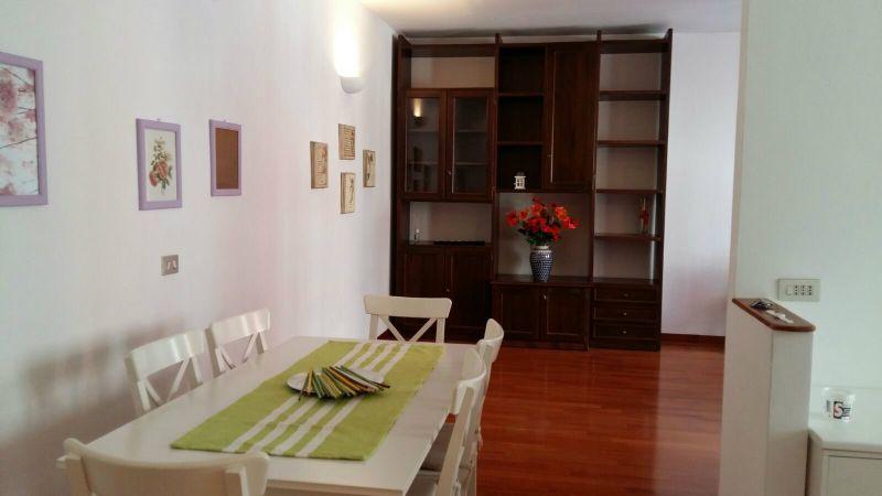Bilocale Milano Via Grosseto 2