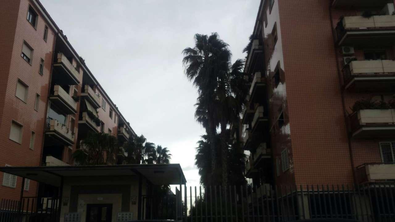 Appartamento in vendita 3 vani 85 mq.  via Padre Perilli Roma