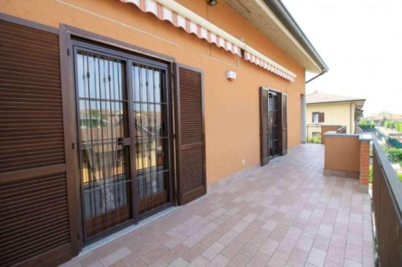Attico / Mansarda in vendita a Trezzano Rosa, 3 locali, prezzo € 189.000 | Cambio Casa.it