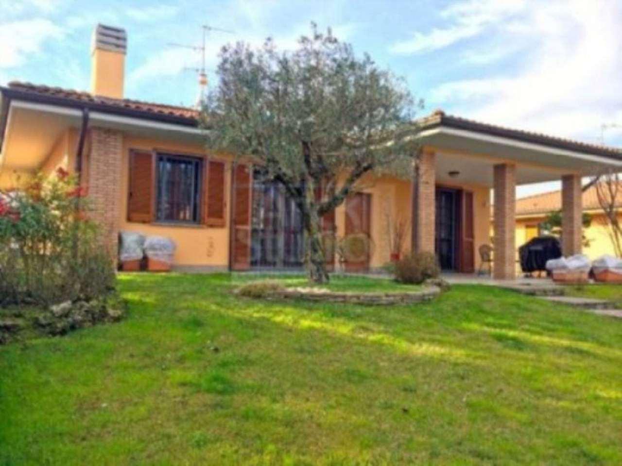 Villa in vendita a Truccazzano, 5 locali, Trattative riservate | Cambio Casa.it