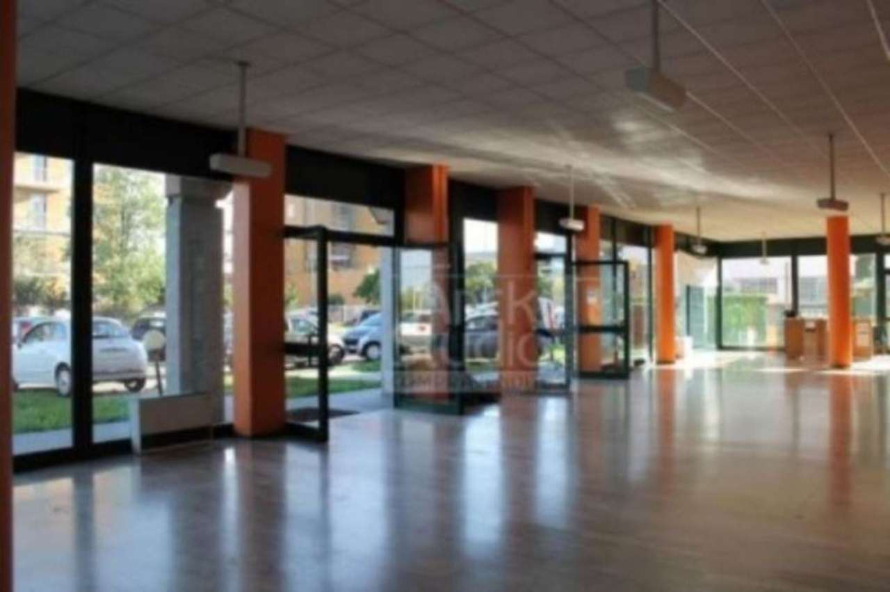 Negozio / Locale in vendita a Cassano d'Adda, 9999 locali, Trattative riservate | Cambio Casa.it