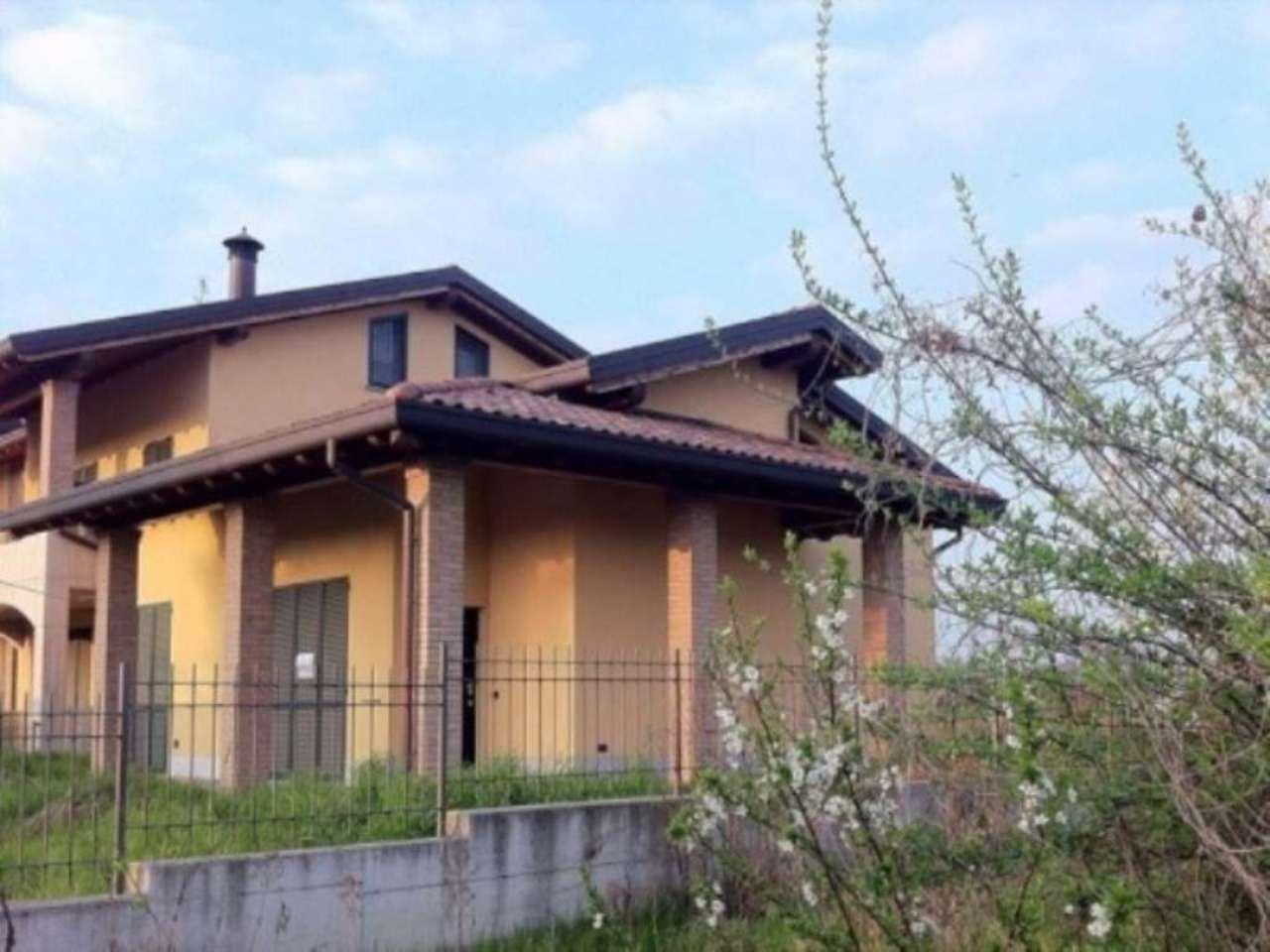 Villa in vendita a Fara Gera d'Adda, 5 locali, prezzo € 335.000 | Cambio Casa.it