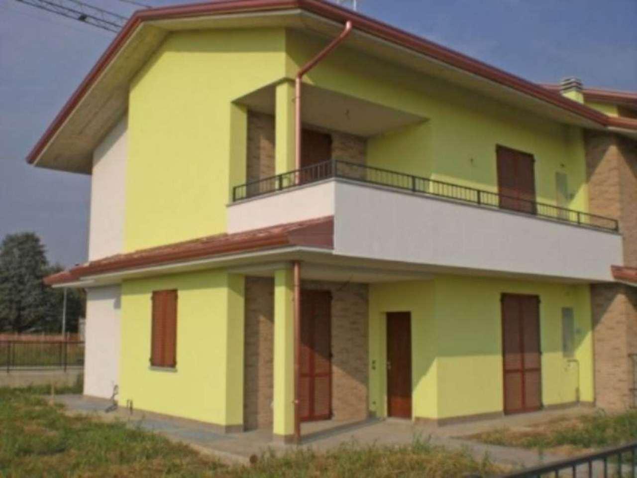 Appartamento in vendita a Calvenzano, 3 locali, prezzo € 239.000 | CambioCasa.it