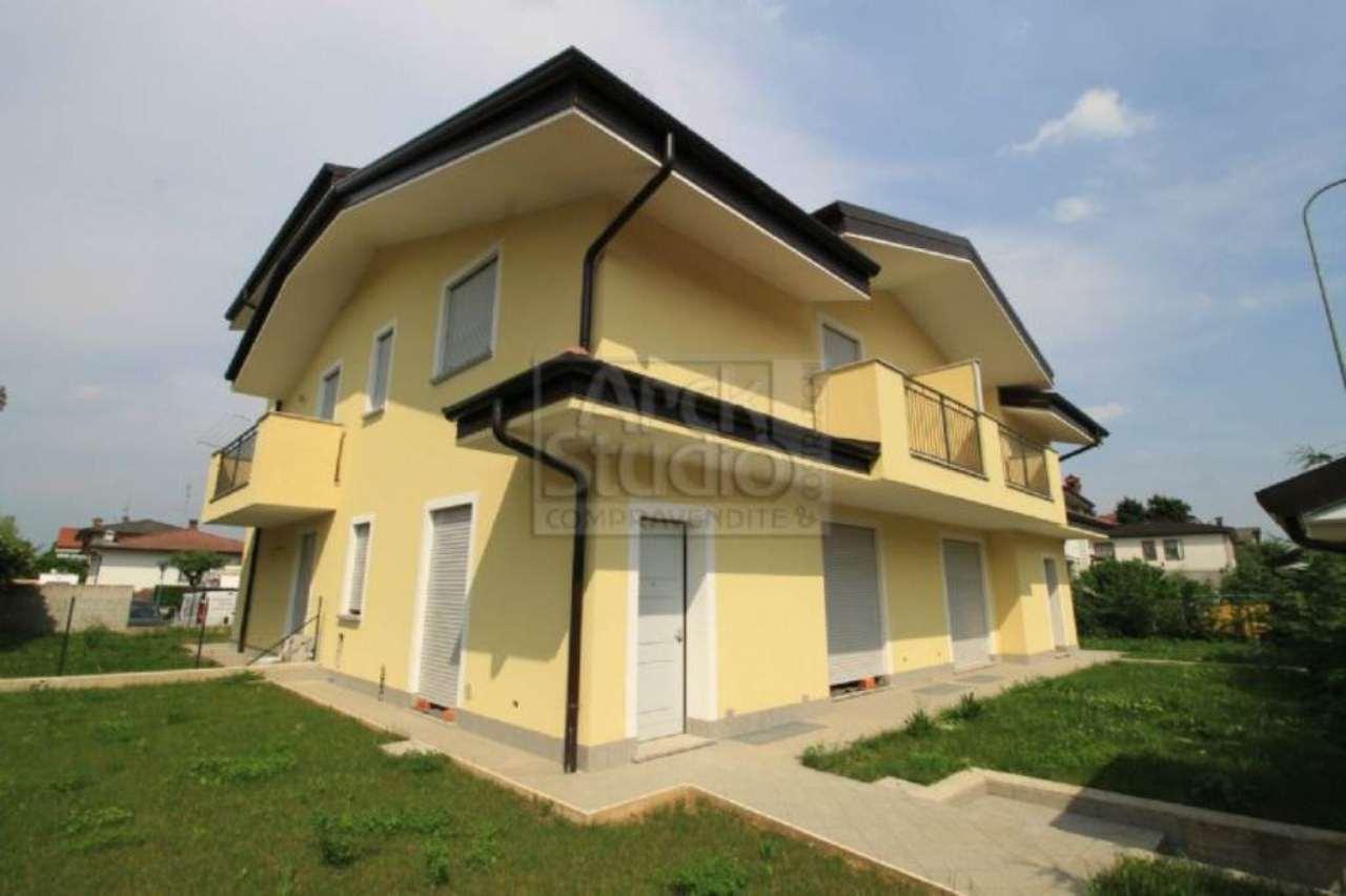 Villa in vendita a Cassano d'Adda, 4 locali, prezzo € 315.000   Cambio Casa.it