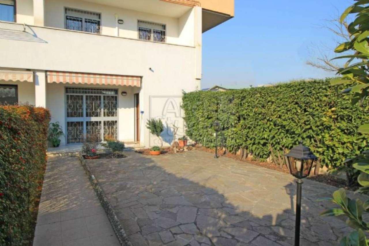 Villa in vendita a Cassano d'Adda, 4 locali, prezzo € 200.000   Cambio Casa.it