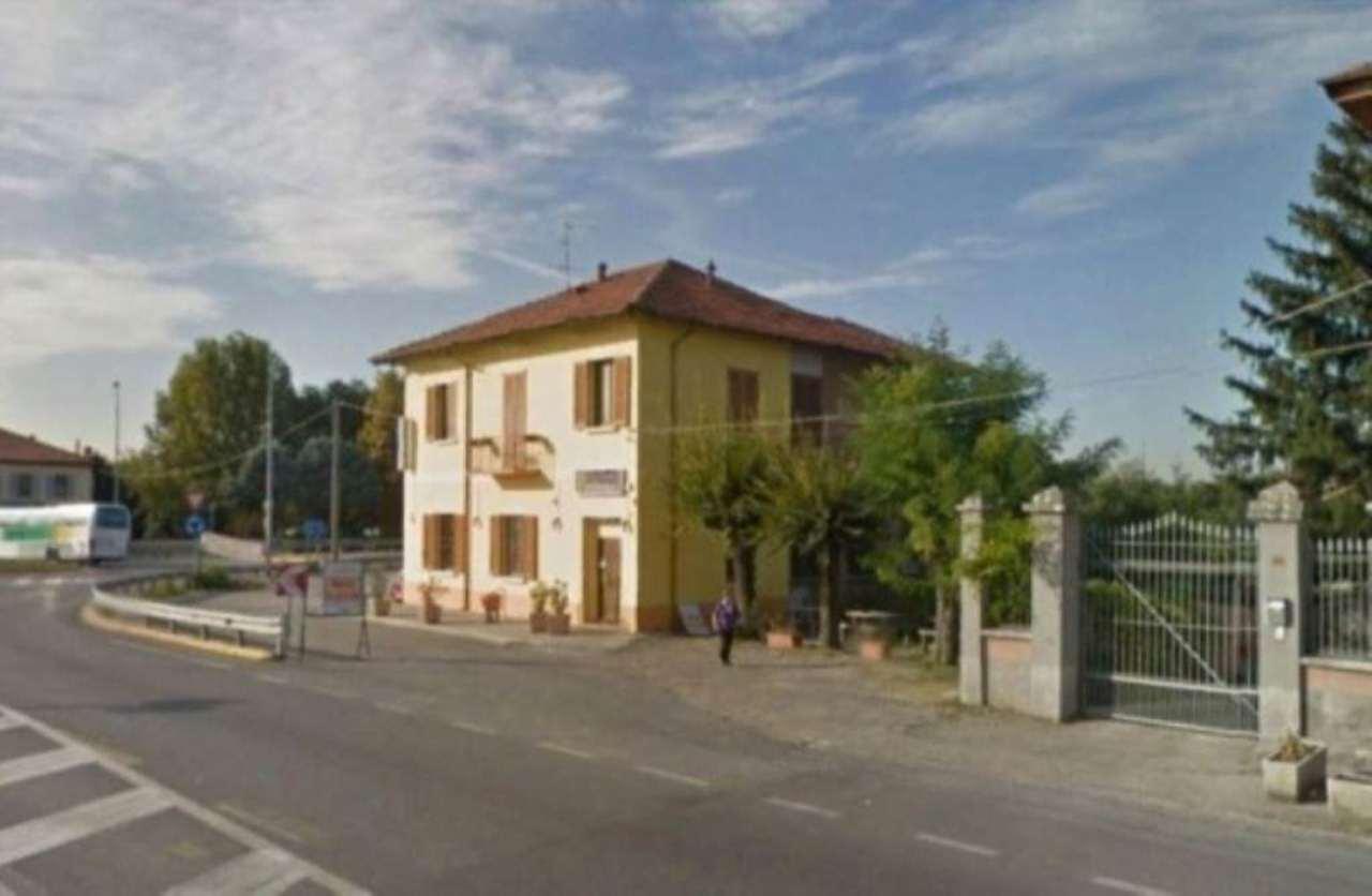 Negozio / Locale in vendita a Treviglio, 6 locali, prezzo € 260.000   CambioCasa.it