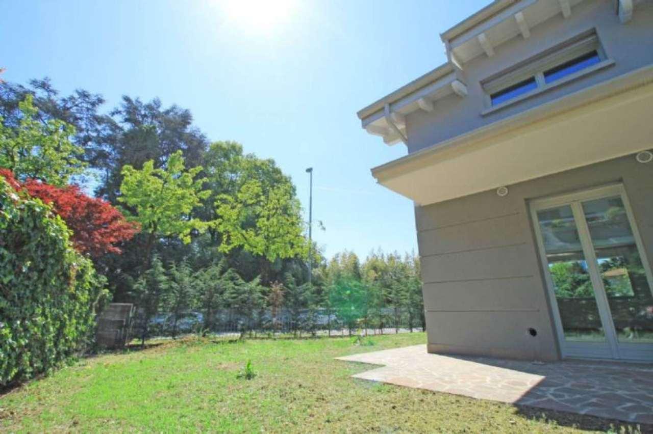 Villa in vendita a Cassano d'Adda, 4 locali, prezzo € 420.000 | CambioCasa.it