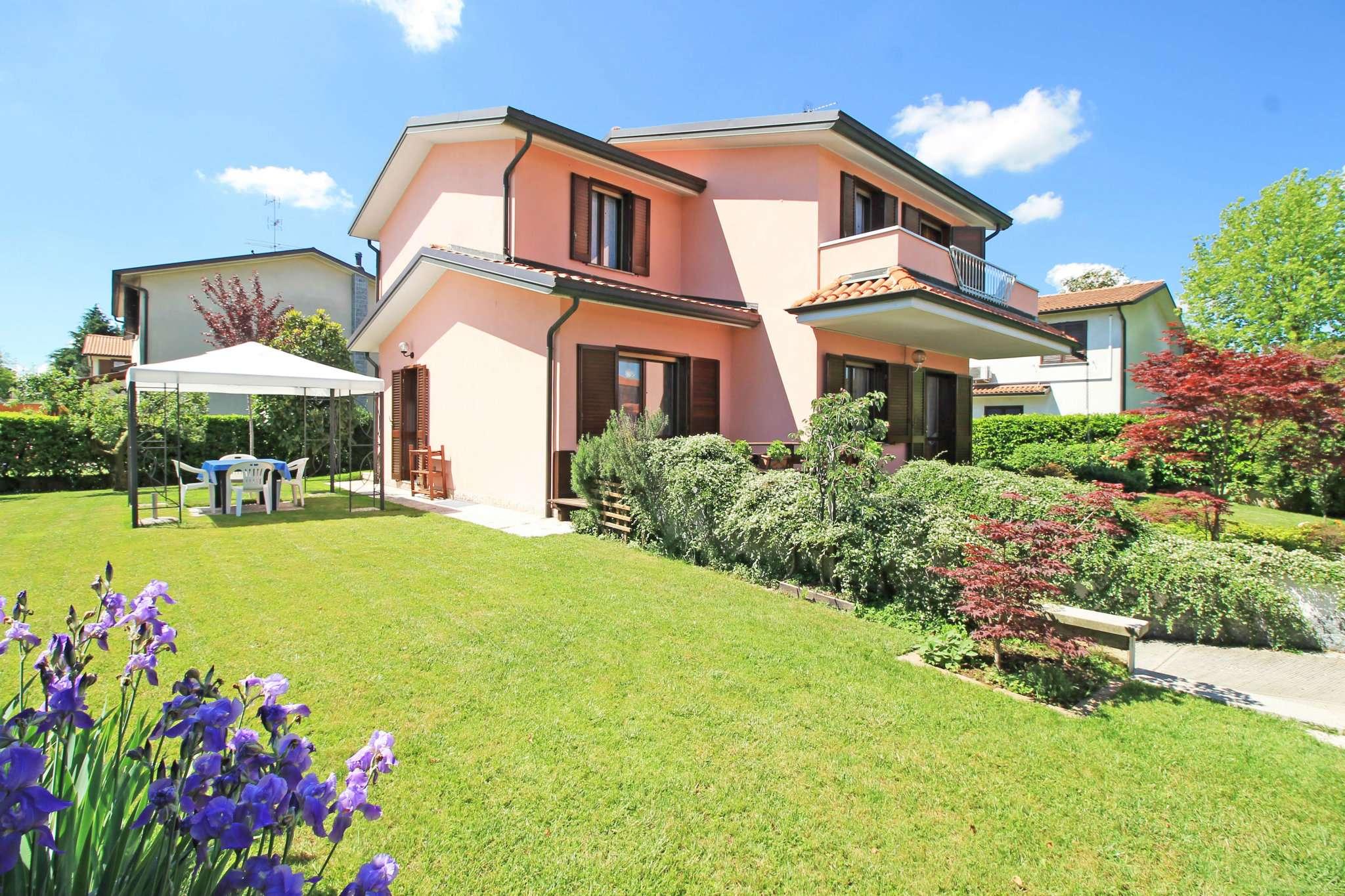 Villa in vendita a Inzago, 5 locali, prezzo € 370.000 | CambioCasa.it