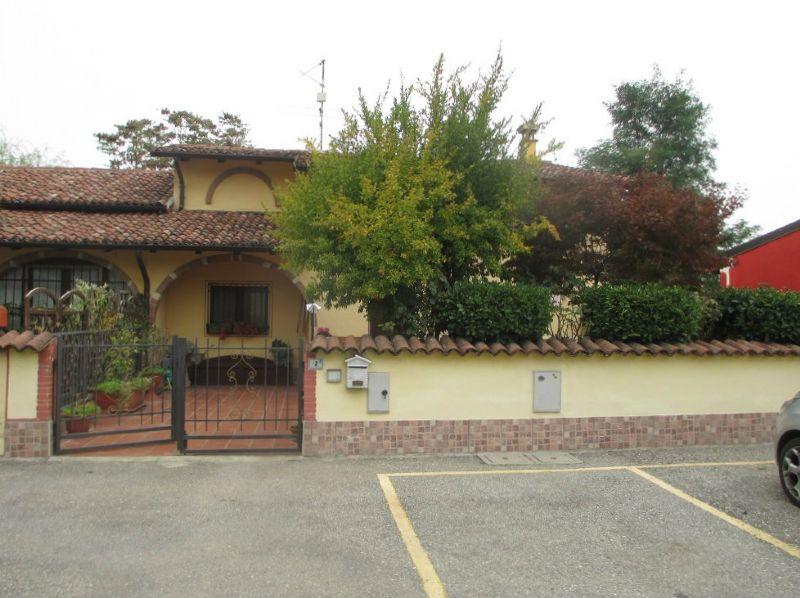 Soluzione Indipendente in vendita a Grumello Cremonese ed Uniti, 3 locali, prezzo € 110.000 | Cambio Casa.it
