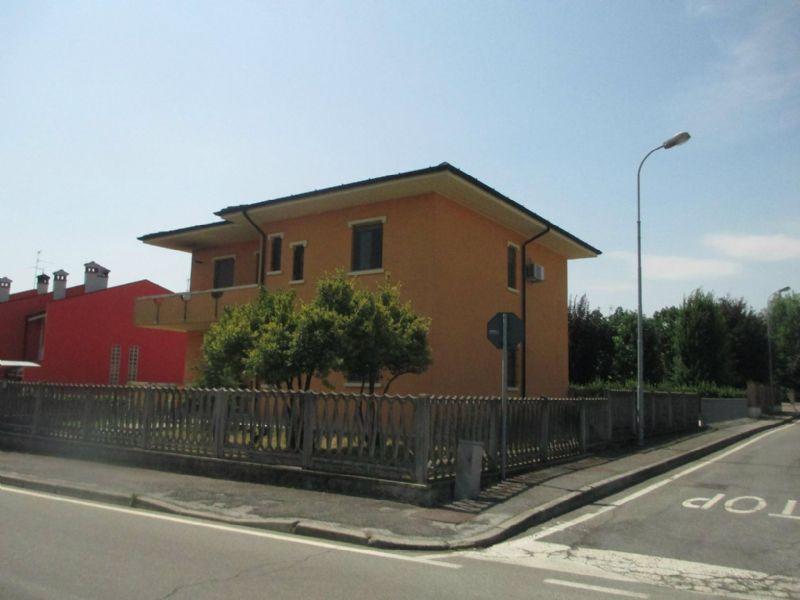 Appartamento in vendita a Genivolta, 4 locali, prezzo € 110.000 | Cambio Casa.it