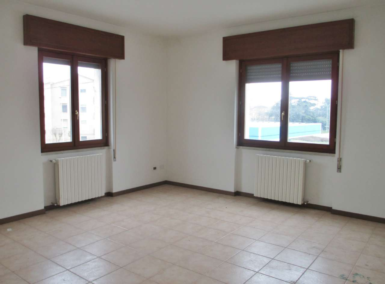 Appartamento in affitto a Soresina, 3 locali, prezzo € 430 | Cambio Casa.it