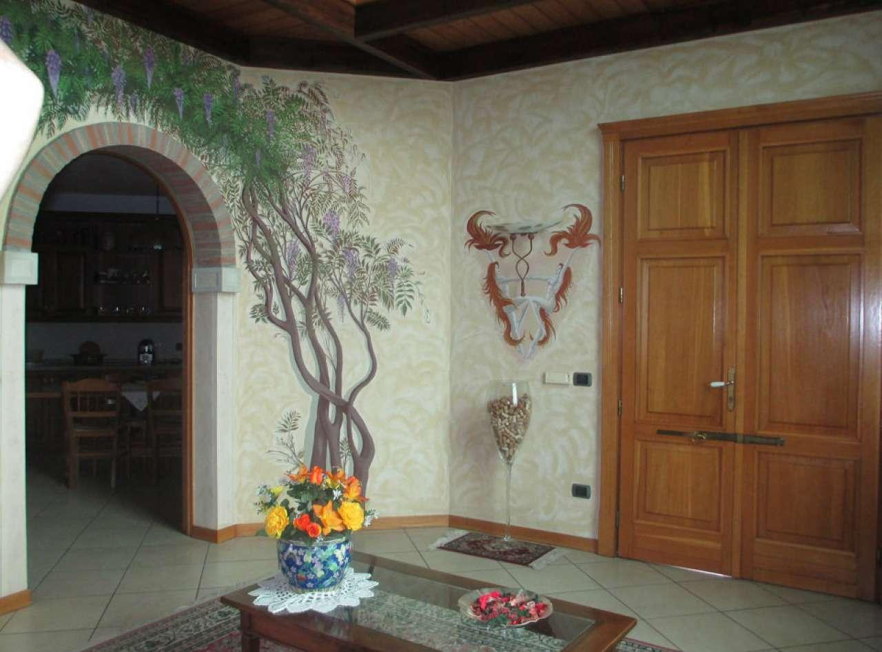 Villa in vendita a Grumello Cremonese ed Uniti, 7 locali, Trattative riservate | Cambio Casa.it