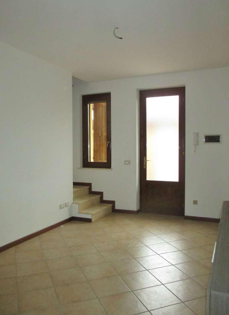 Villa a Schiera in vendita a Trigolo, 3 locali, prezzo € 103.000 | CambioCasa.it
