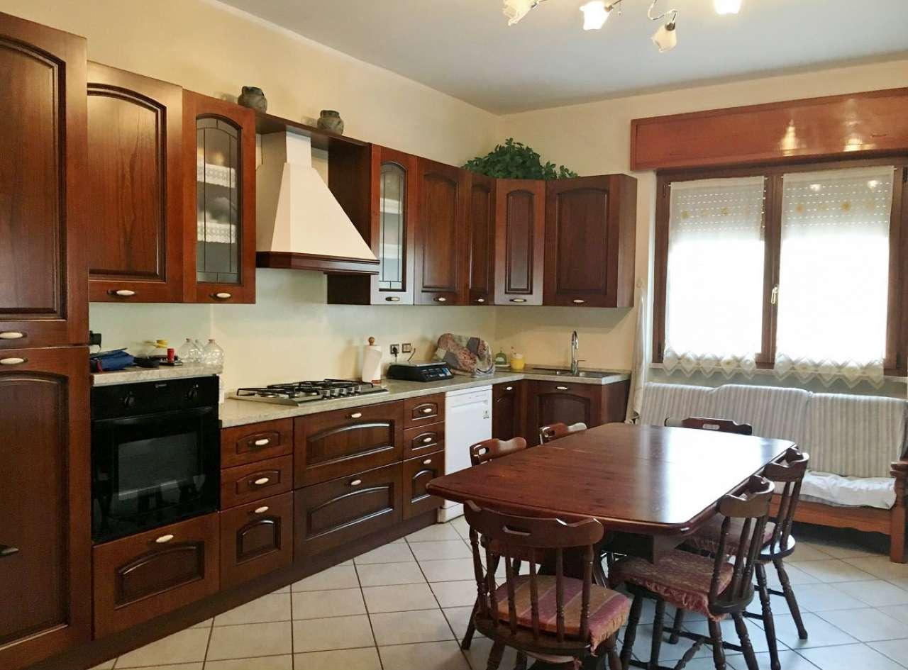 Soluzione Indipendente in vendita a Trigolo, 5 locali, prezzo € 120.000 | CambioCasa.it
