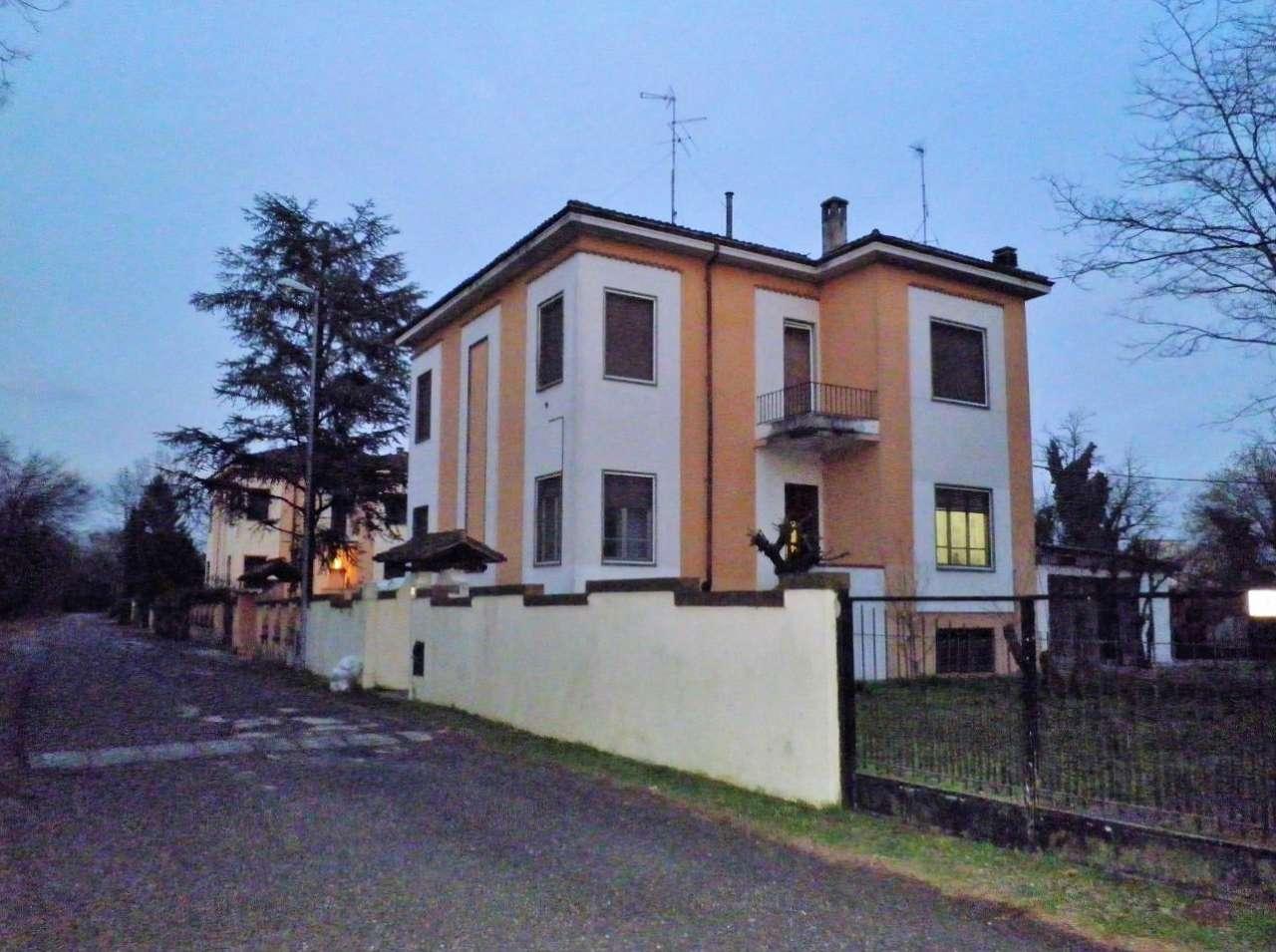 Villa Bifamiliare in vendita a Pizzighettone, 3 locali, prezzo € 210.000 | CambioCasa.it