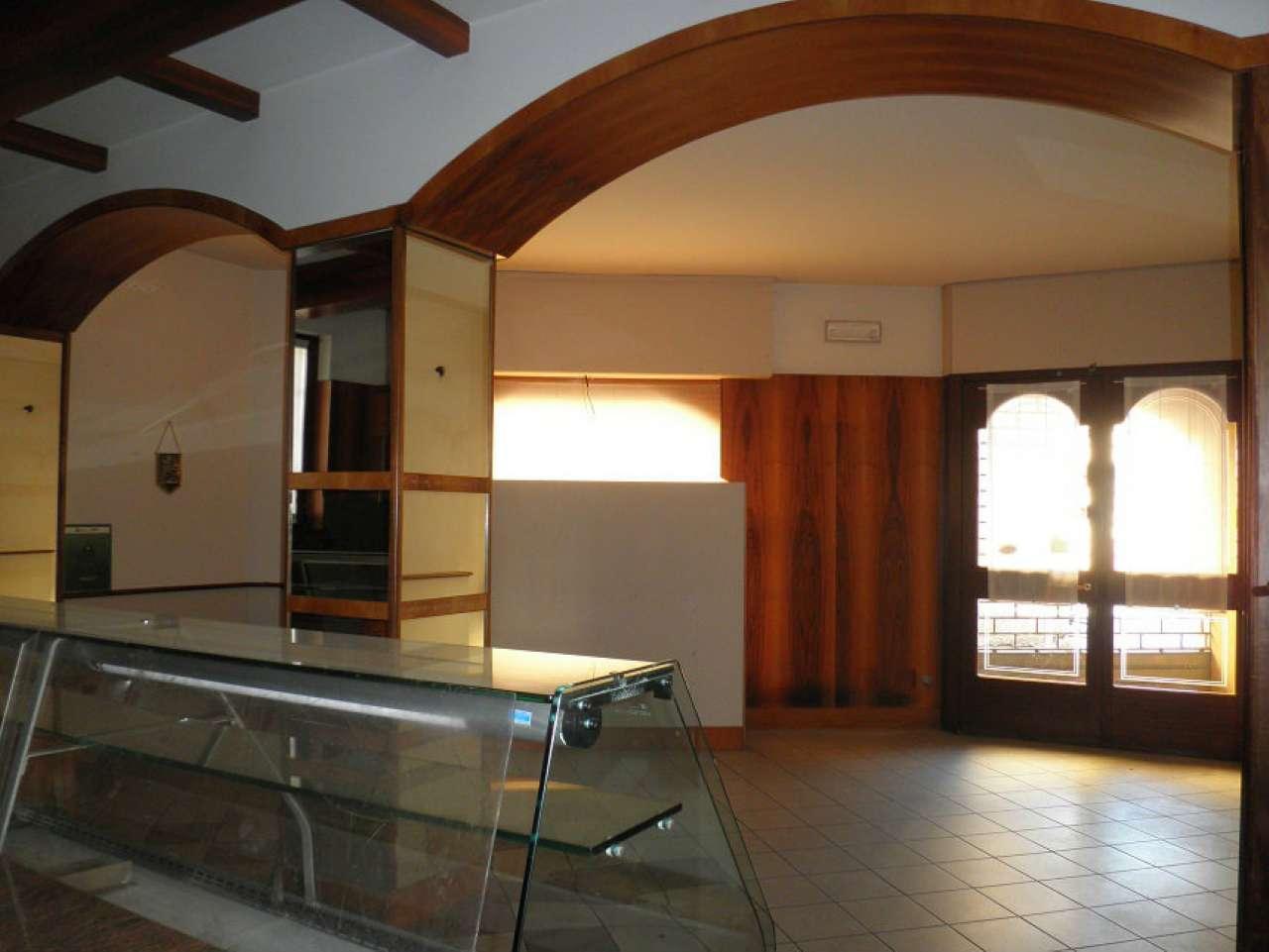 Negozio / Locale in vendita a Soresina, 2 locali, prezzo € 650 | CambioCasa.it