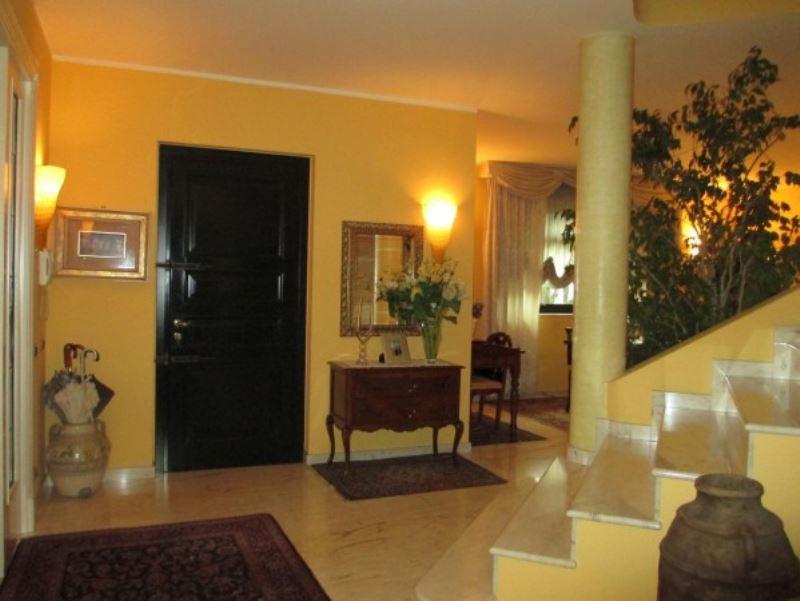 Villa in vendita a Castelleone, 6 locali, Trattative riservate | Cambio Casa.it
