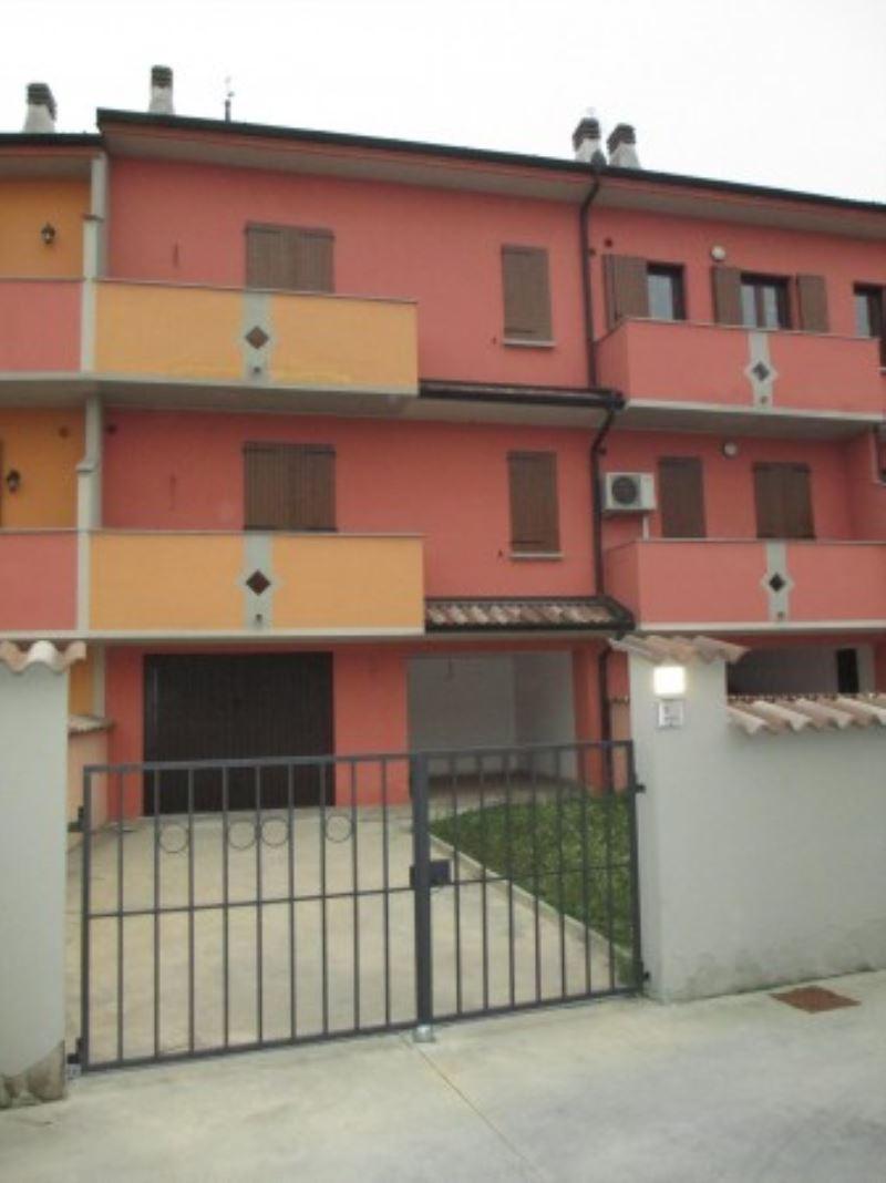 Villa a Schiera in vendita a Grumello Cremonese ed Uniti, 5 locali, prezzo € 160.000 | Cambio Casa.it