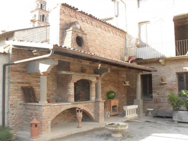 Soluzione Indipendente in vendita a Soresina, 6 locali, prezzo € 500.000 | CambioCasa.it