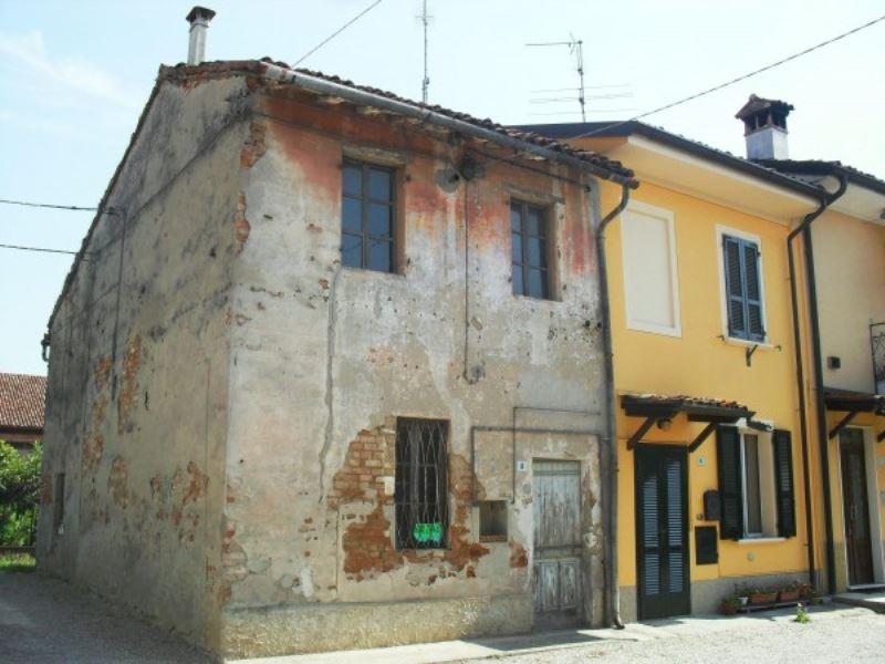 Rustico / Casale in vendita a Trigolo, 3 locali, prezzo € 37.000 | CambioCasa.it