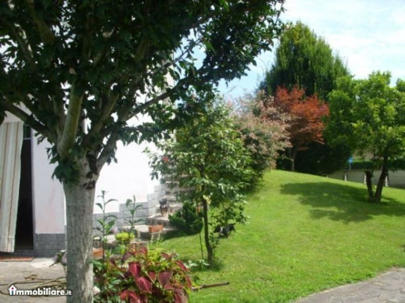 Villa in vendita a Soresina, 5 locali, prezzo € 270.000 | Cambio Casa.it