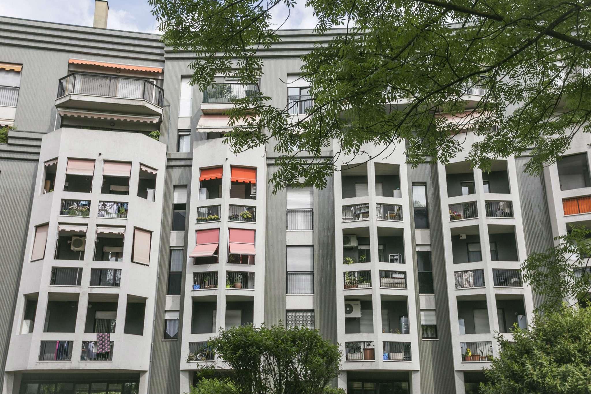 Appartamento in vendita 3 vani 105 mq.  via Caio Mario 41 Milano