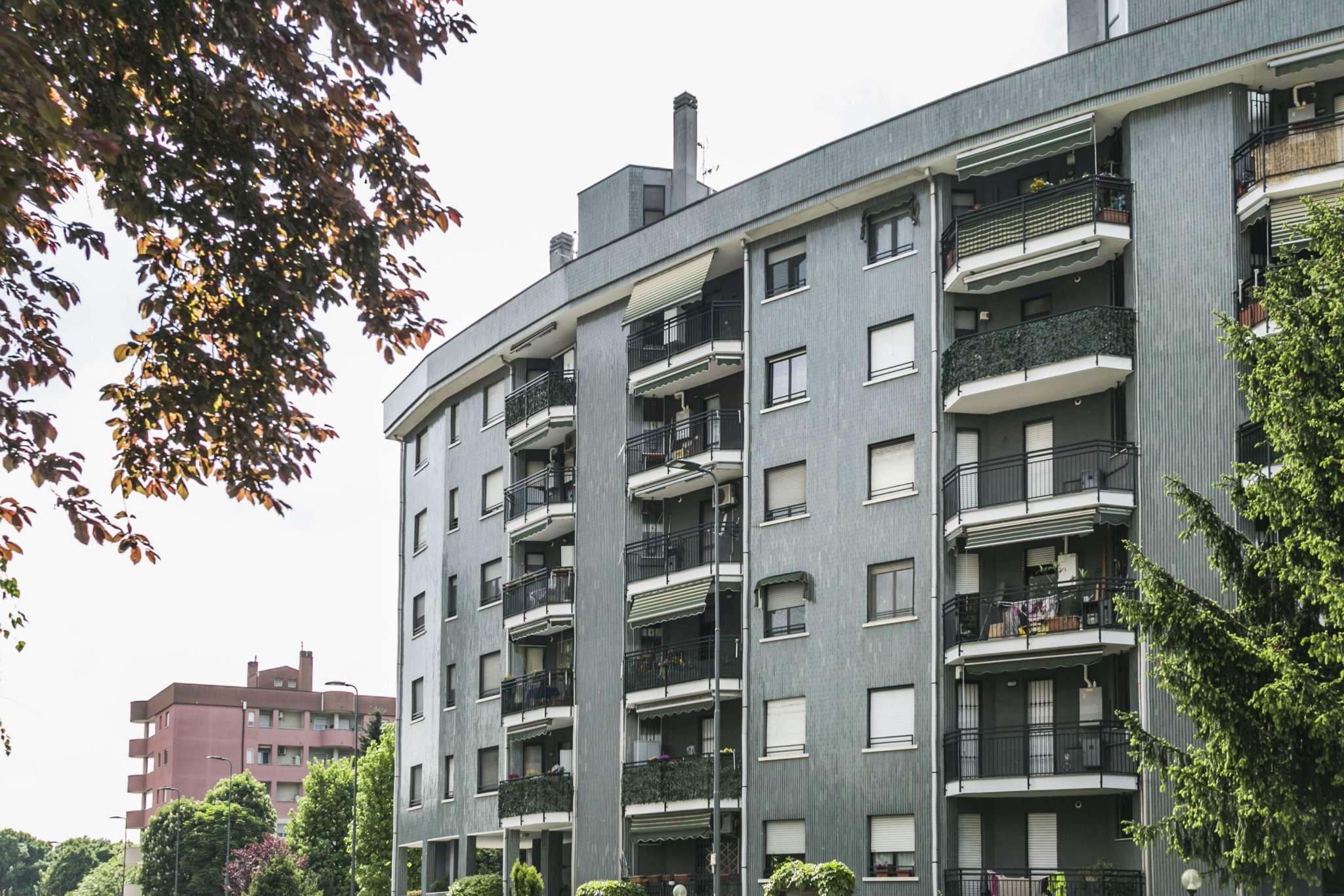Appartamento in vendita 4 vani 125 mq.  via Caio Mario 41 Milano