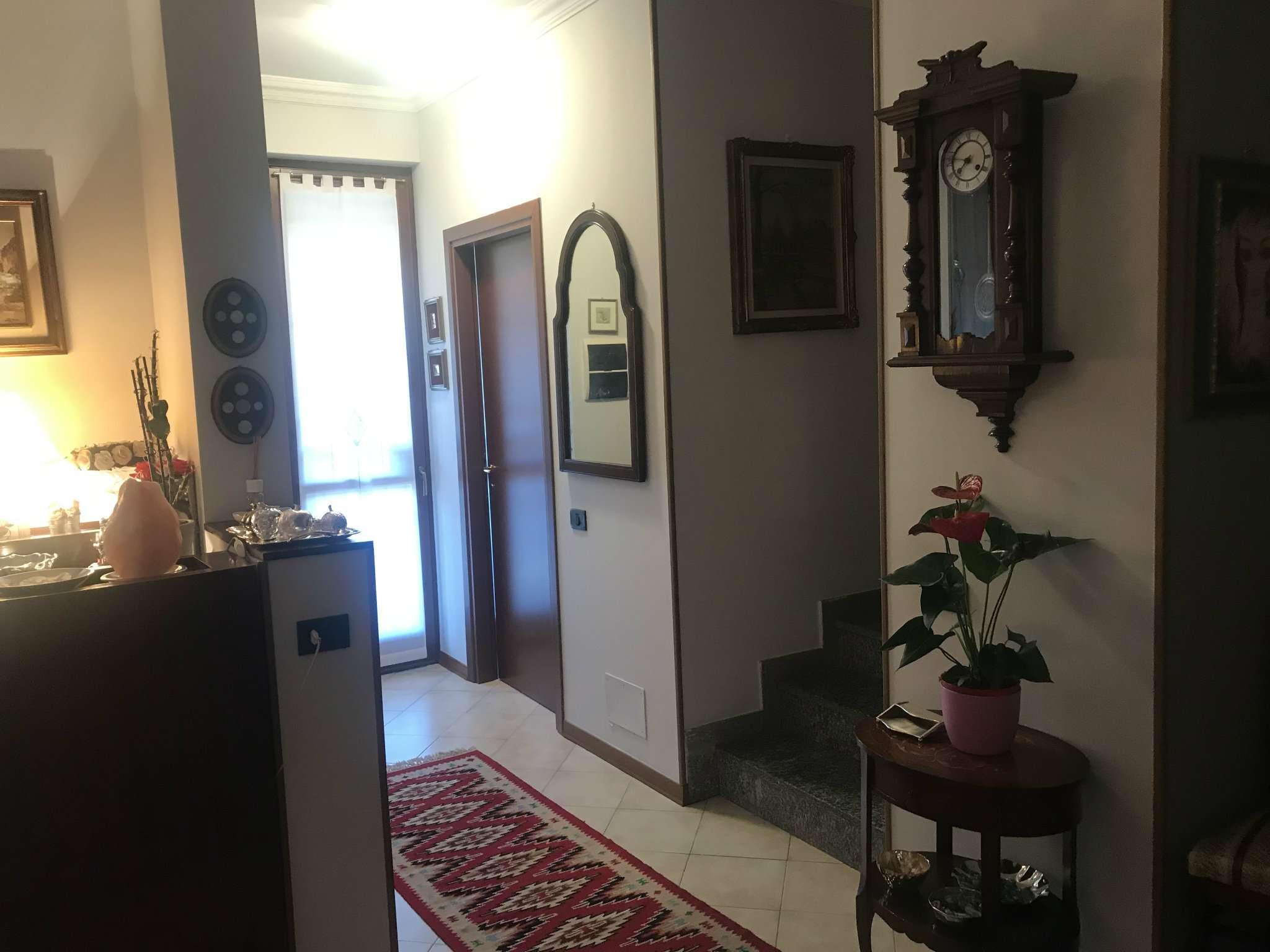 Villa in Vendita a Rozzano Centro: 5 locali, 170 mq