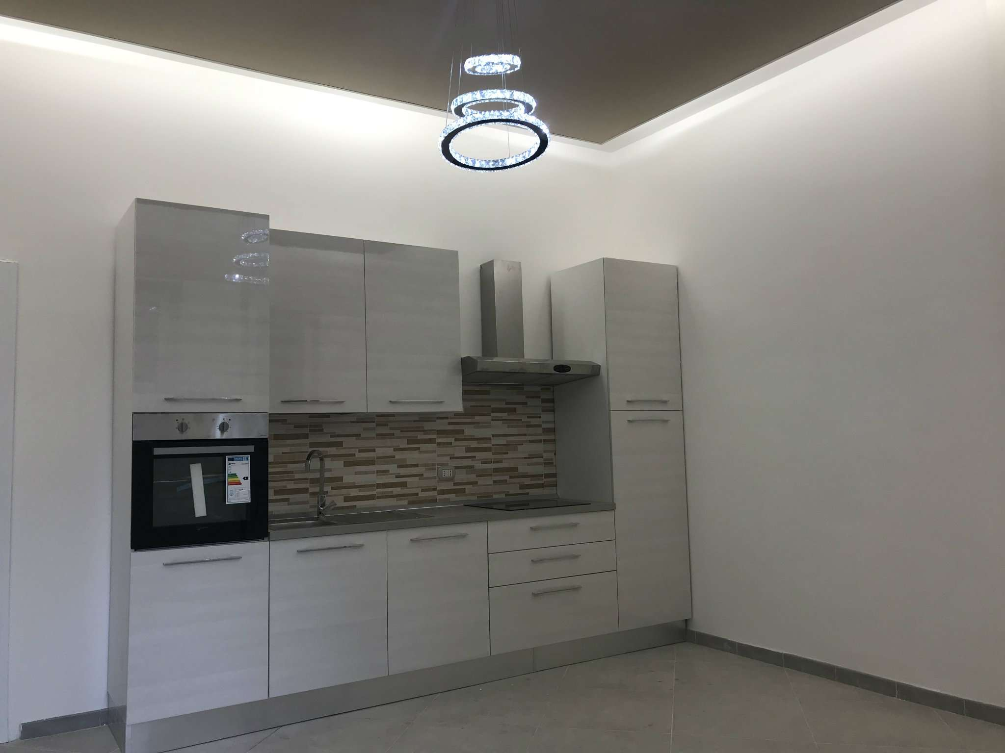 Appartamento in Vendita a Milano 06 Italia / Porta Romana / Bocconi / Lodi: 1 locali, 42 mq