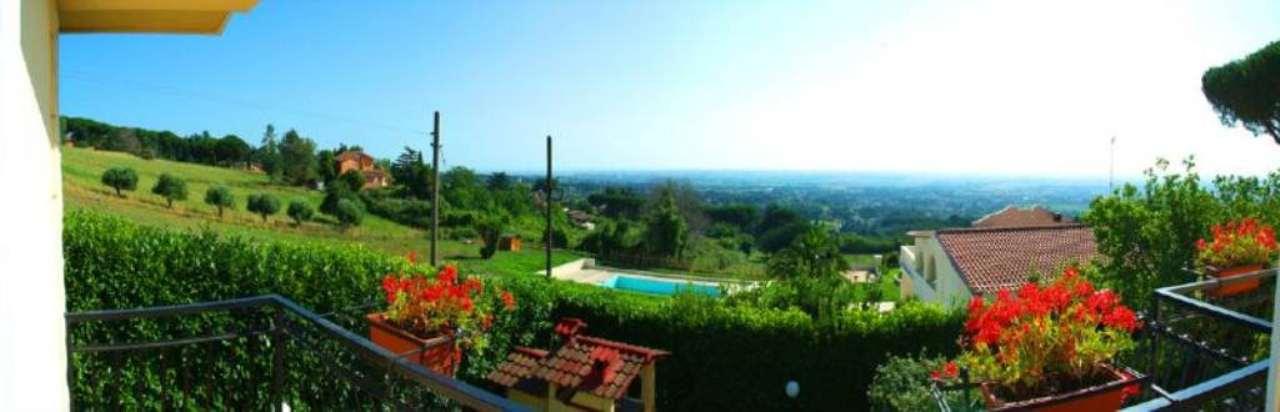 Villa in vendita a Marino, 6 locali, prezzo € 550.000 | Cambio Casa.it
