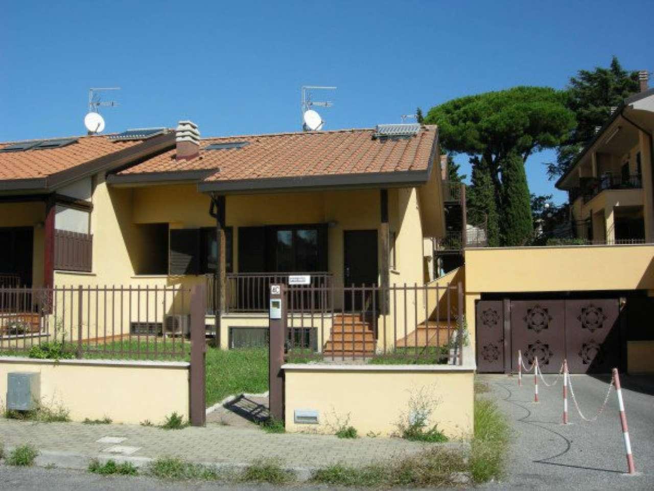 Villa in vendita a Marino, 5 locali, prezzo € 335.000 | Cambio Casa.it