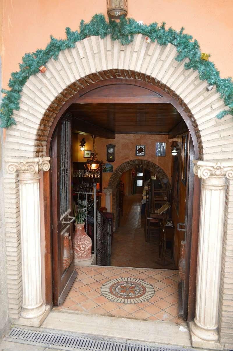 Negozio / Locale in affitto a Marino, 3 locali, prezzo € 1.800 | Cambio Casa.it