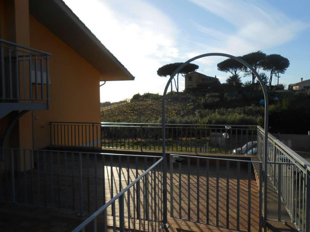 Appartamento in vendita a Frascati, 4 locali, prezzo € 220.000 | Cambio Casa.it