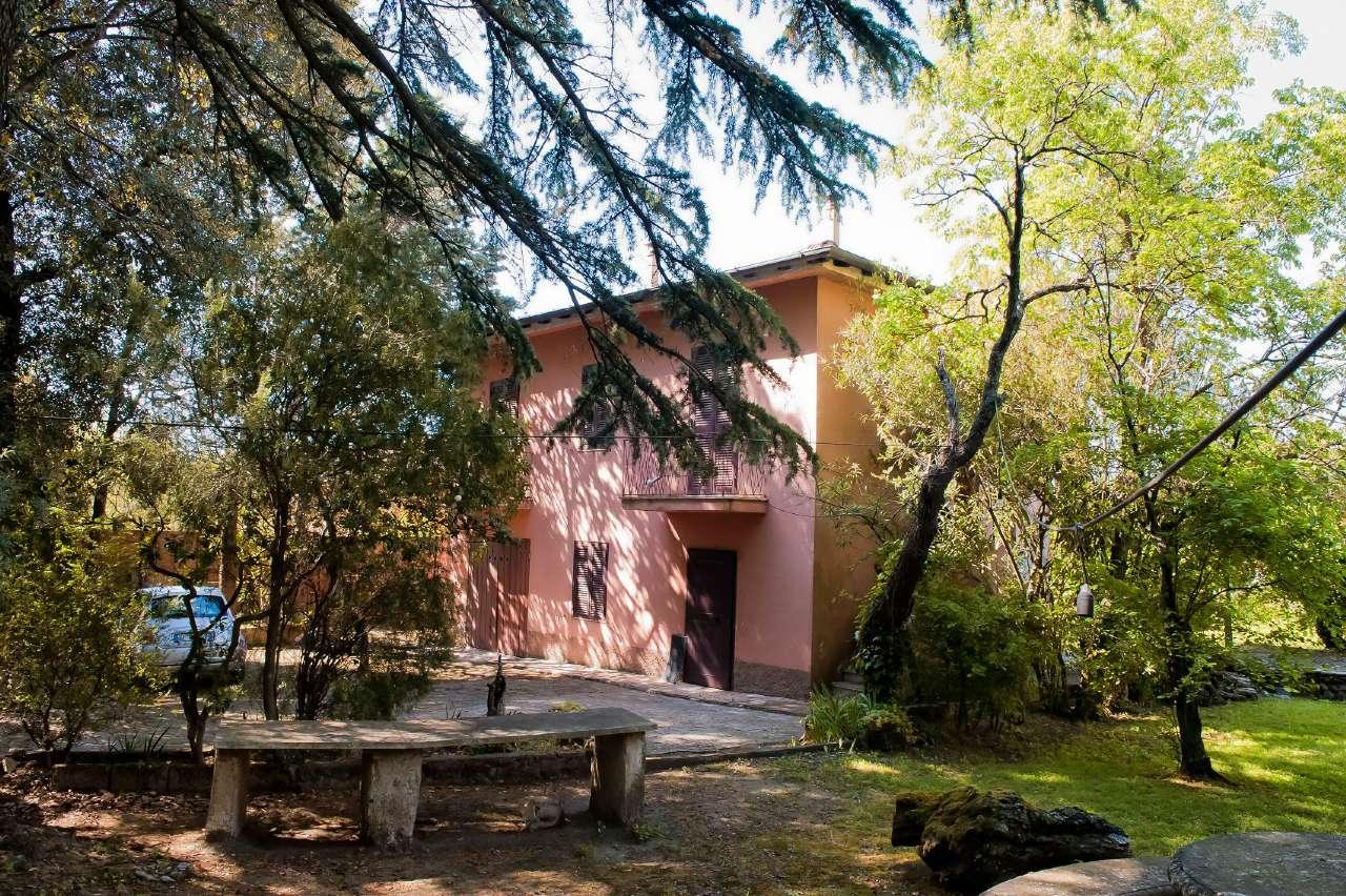 Villa in vendita a Marino, 5 locali, prezzo € 289.000 | Cambio Casa.it