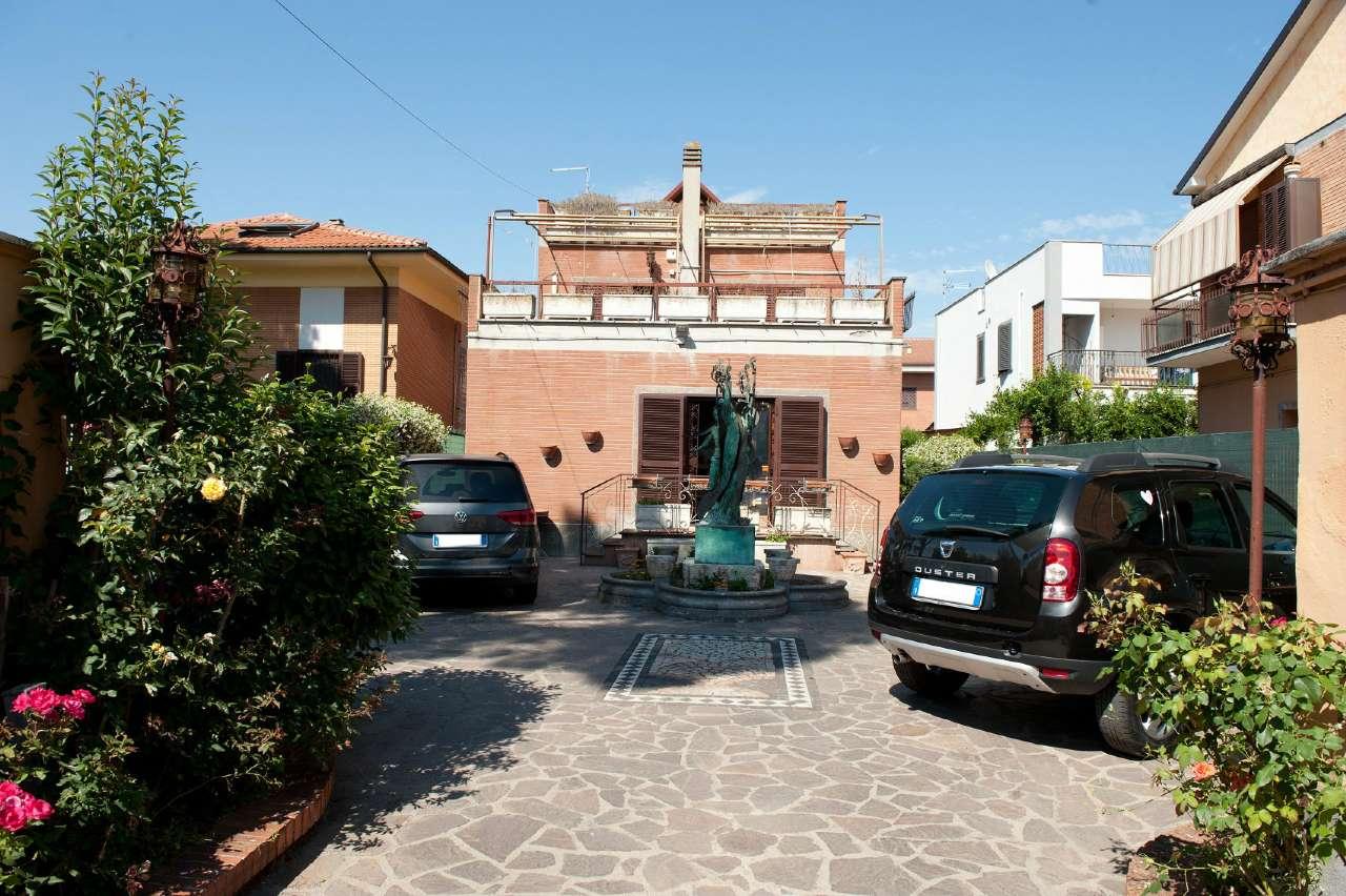 Villa in vendita a Marino, 6 locali, prezzo € 419.000 | CambioCasa.it