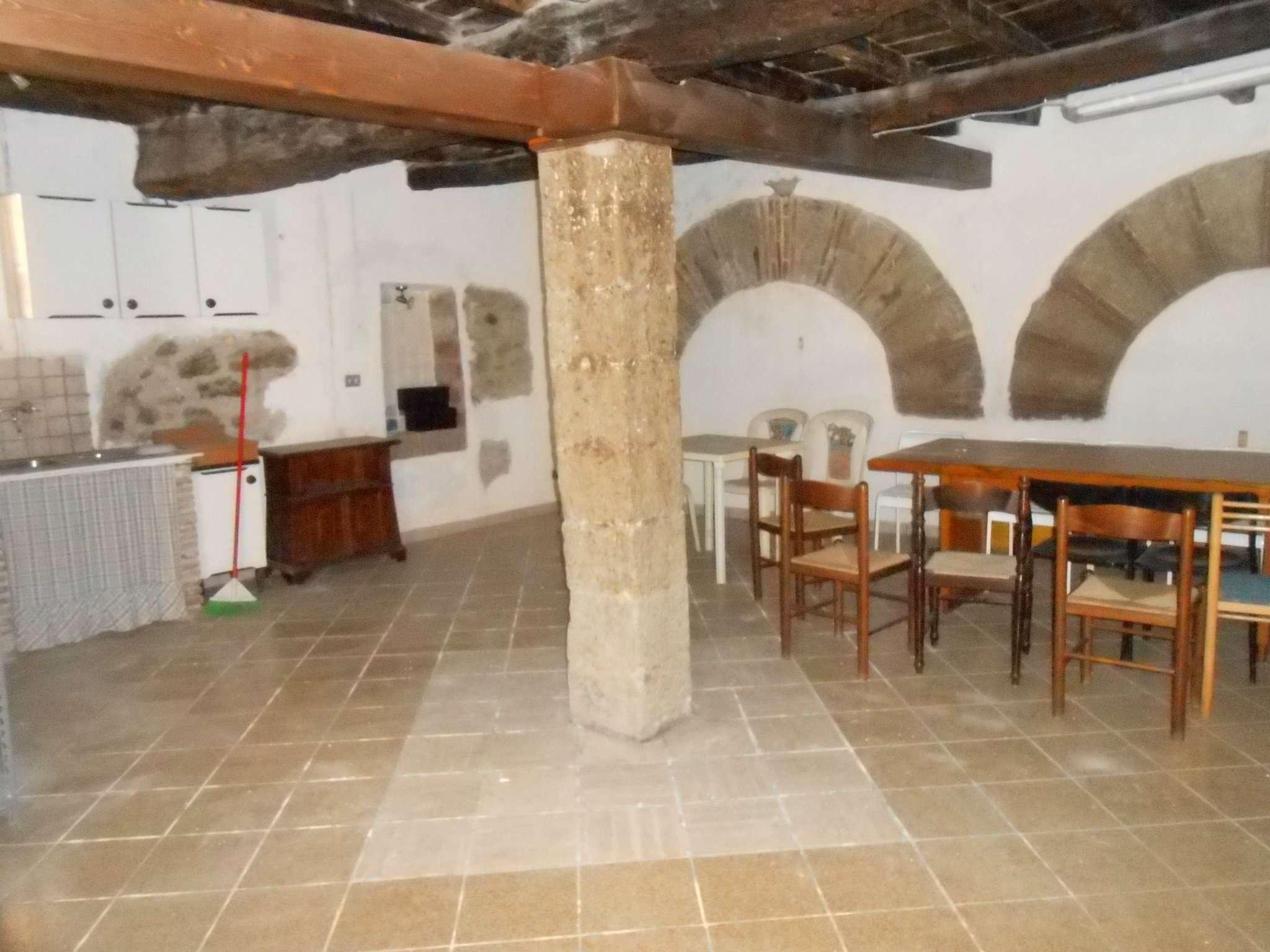 Magazzino in vendita a Marino, 1 locali, prezzo € 55.000   CambioCasa.it