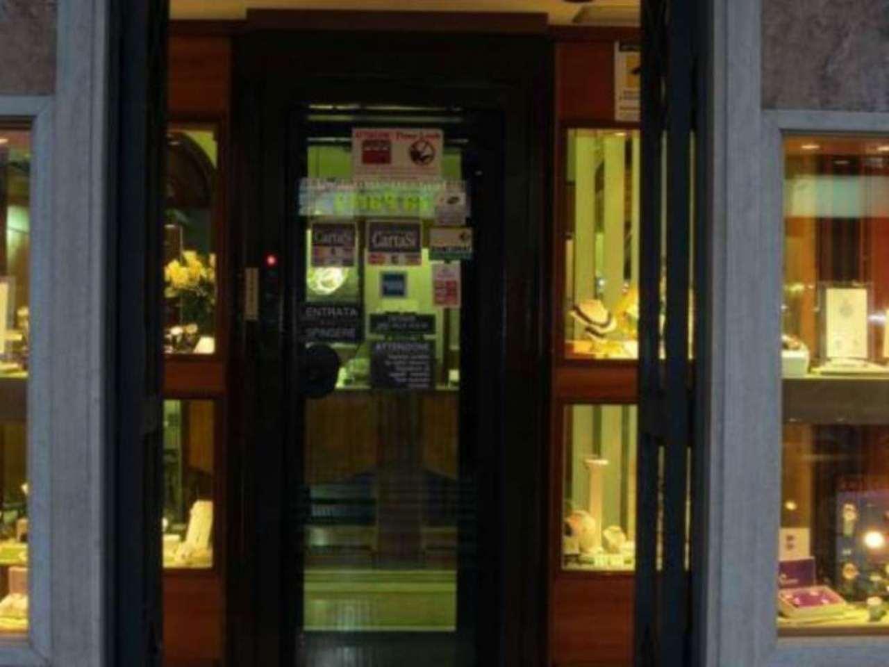 Attività / Licenza in vendita a Ciampino, 2 locali, prezzo € 90.000 | Cambio Casa.it