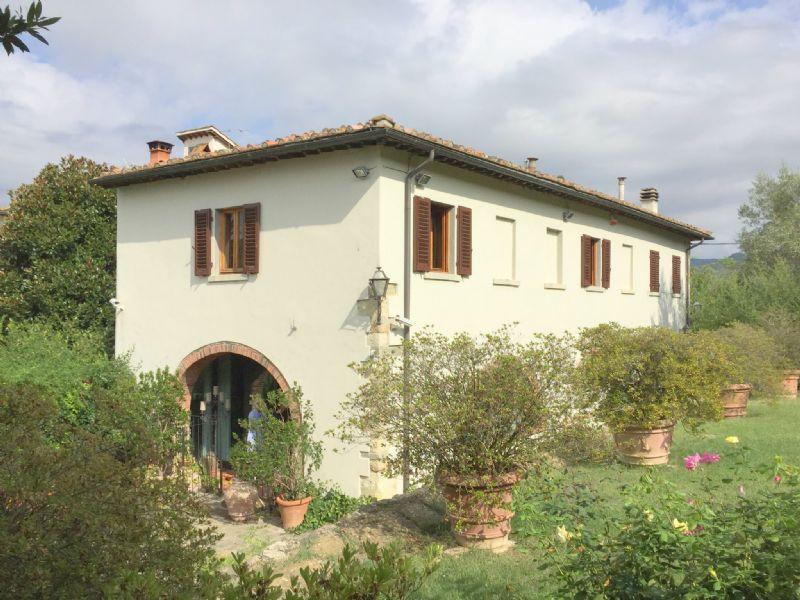 Rustico in Vendita a Fiesole Periferia: 5 locali, 200 mq