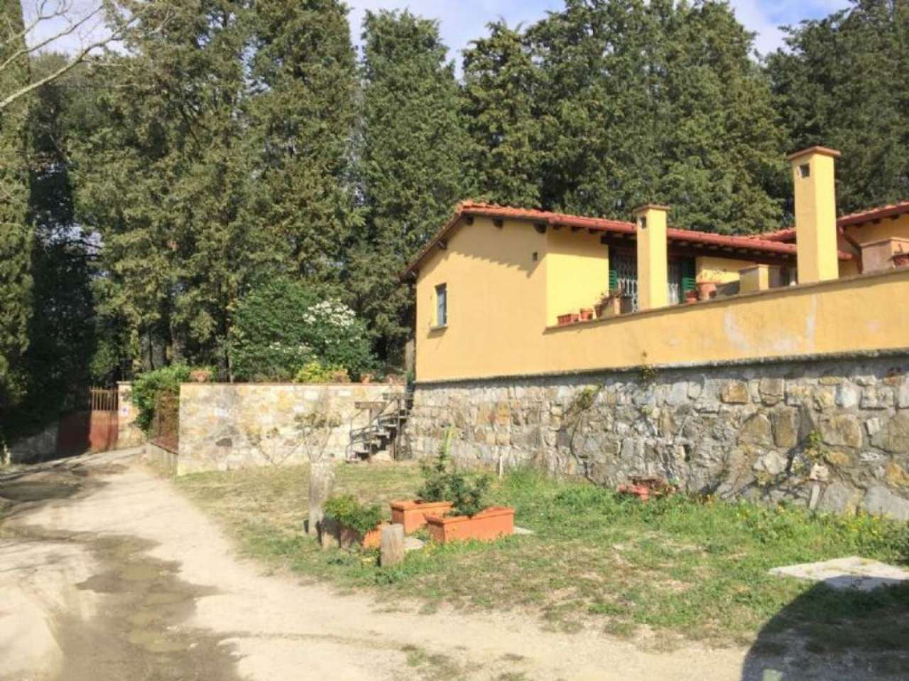 Villa in vendita a Vaglia, 6 locali, prezzo € 650.000   CambioCasa.it