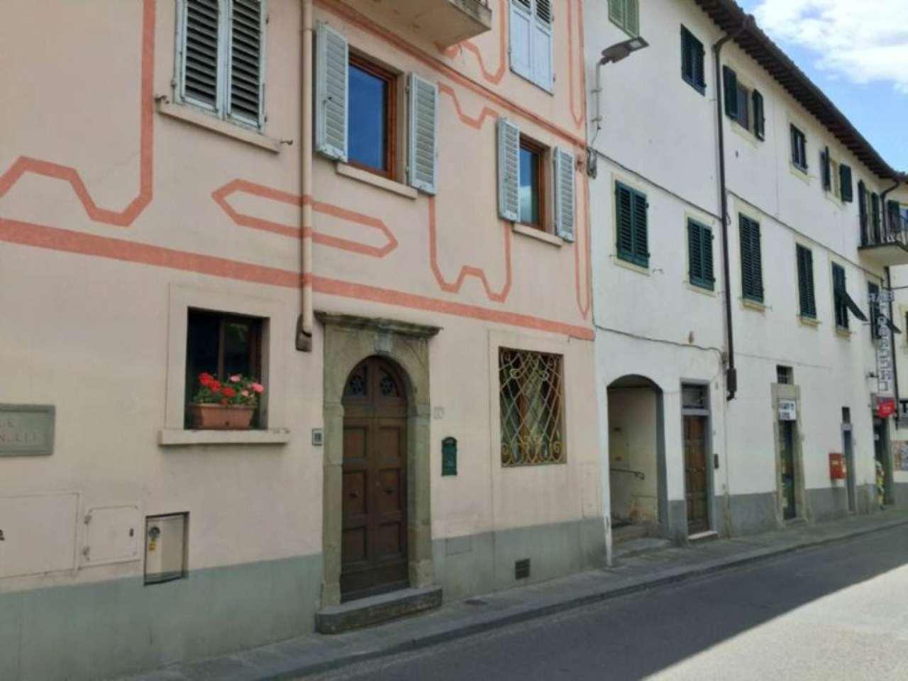 Palazzo / Stabile in vendita a Fiesole, 9 locali, prezzo € 700.000 | Cambio Casa.it