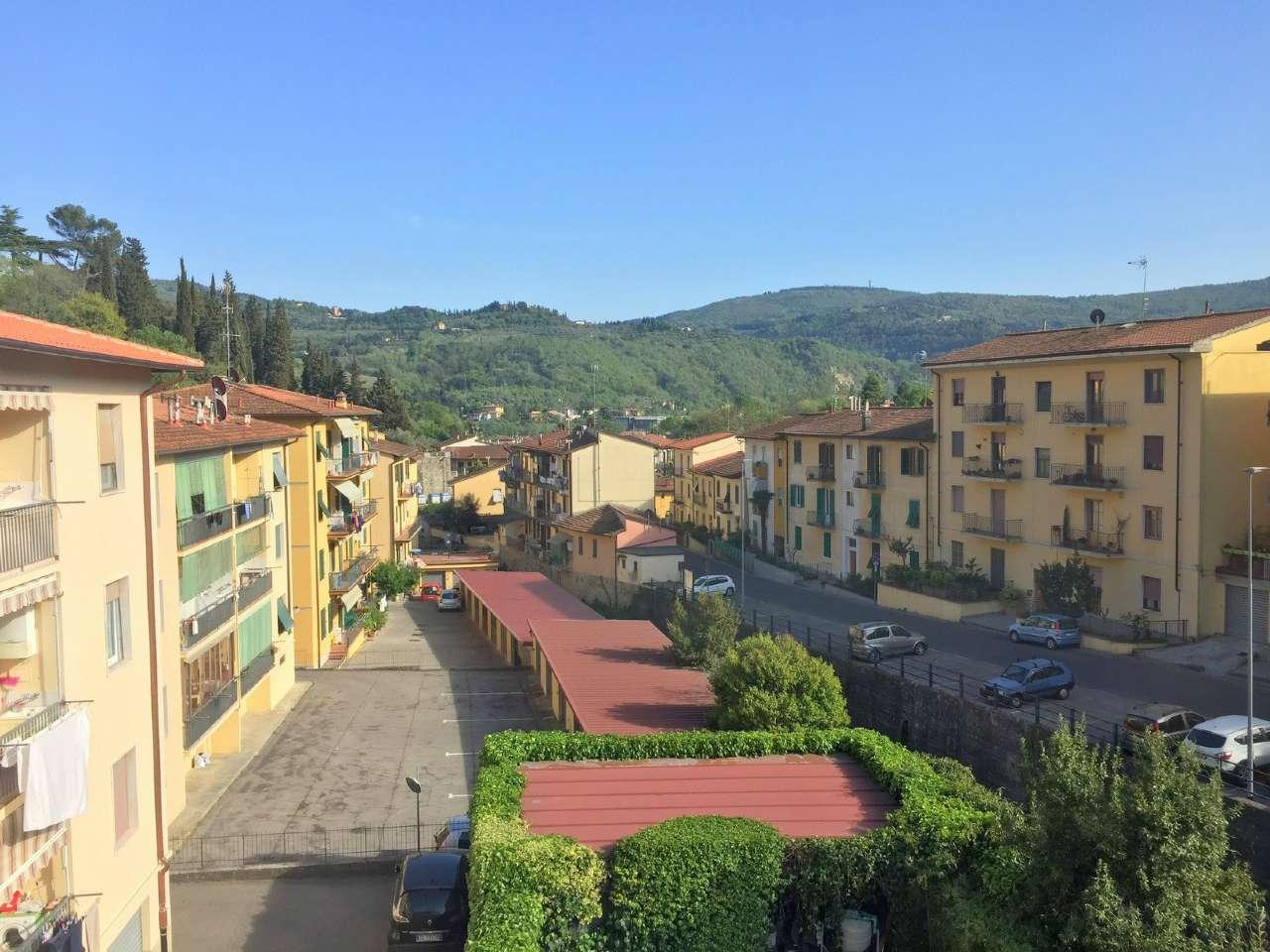Appartamento in Vendita a Fiesole Centro: 5 locali, 100 mq