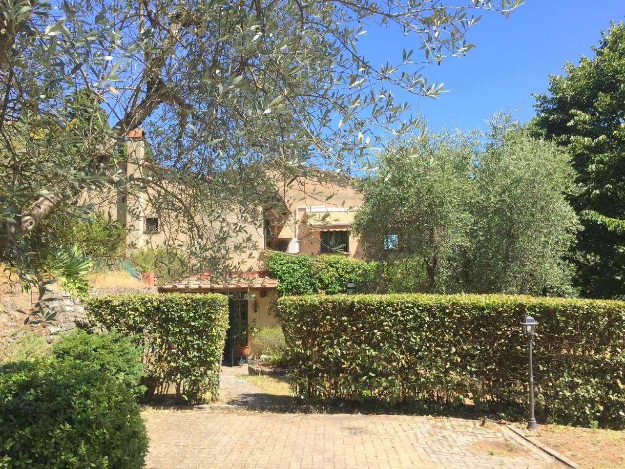 Villa in vendita a Fiesole, 6 locali, prezzo € 1.050.000 | CambioCasa.it