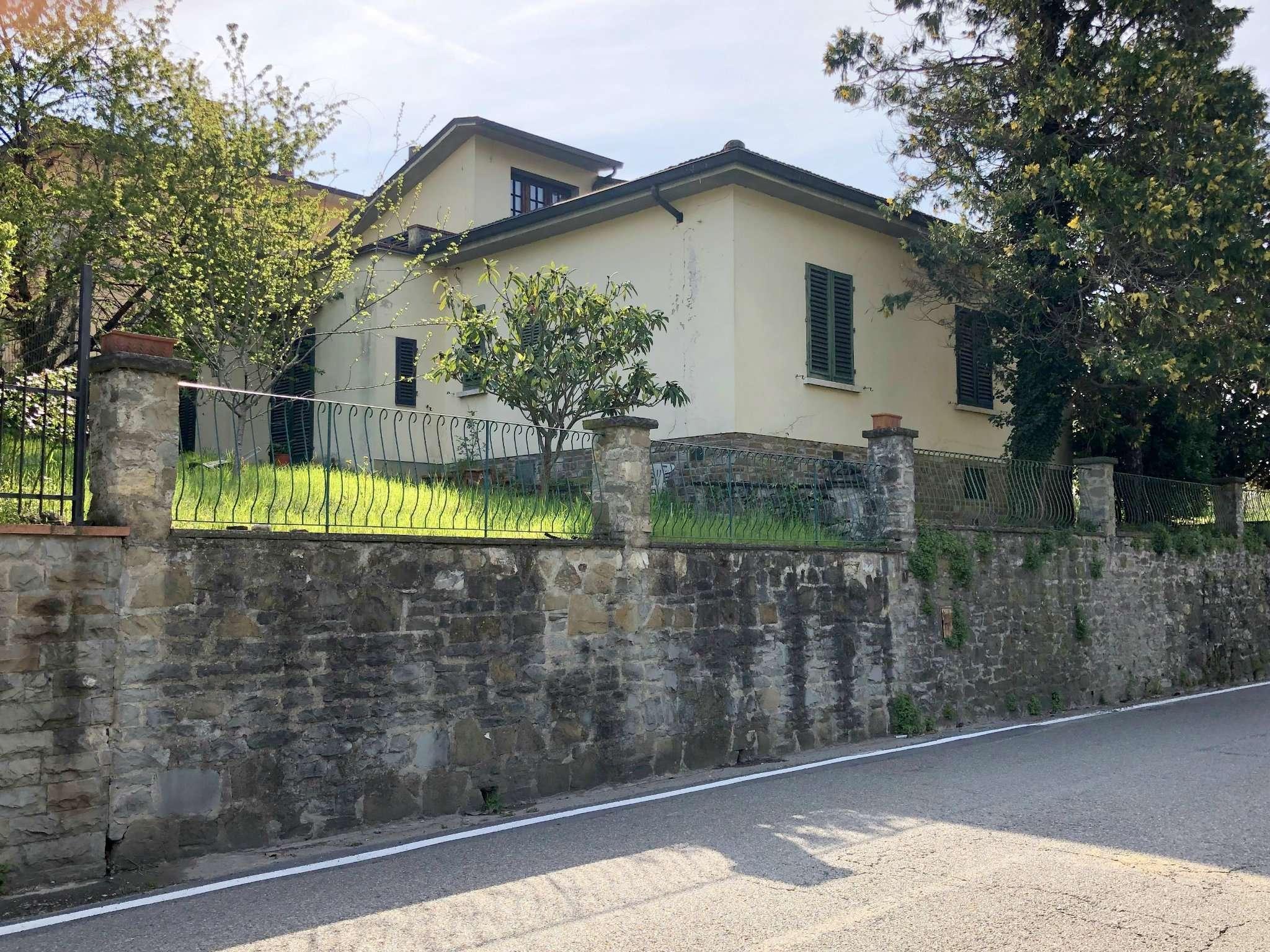 Villa in Vendita a Pontassieve Periferia: 5 locali, 200 mq